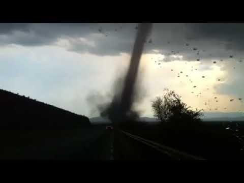 Tornado en carretera MTY Laredo marzo 29 2012 3 30pm km 59