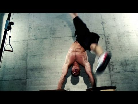 fitness training - Video to show how Martial Arts and Functional Fitness Training can work together Performance: Christoph 'Rodi' Rodenbach, Tarik Kuzucu Production: Manuel Wie...