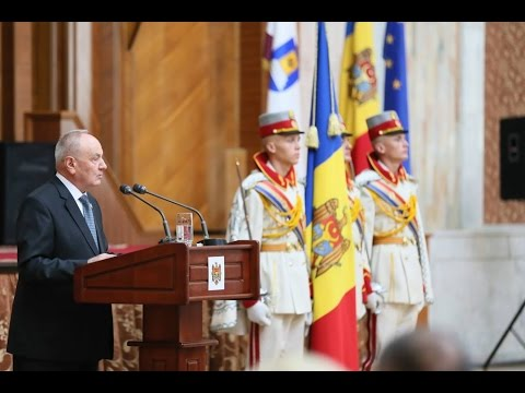 Moldovan president attends Constitution Day solemnity