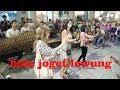 Download Lagu BULE CANTIK SENENG JOGET LAGU LEWUNG -- CALUNG FUNK MALIOBORO YOGYA Mp3 Free