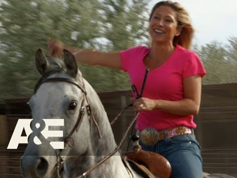 Rodeo Girls: Tension Mounts Between Darcy And Barb (Season 1, Episode 5) | A&E