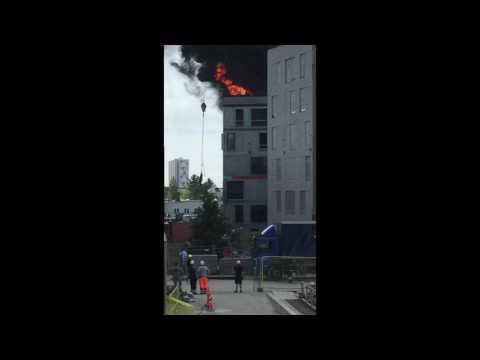 Nosturinkuljettaja pelastaa miehen tulipalosta – Hienoa työtä!