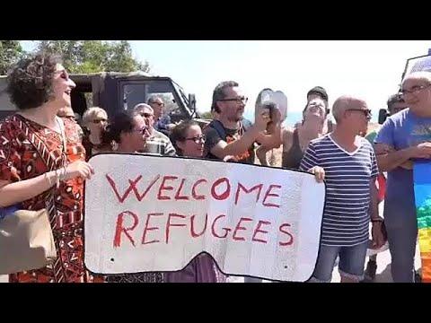 Σικελία: Διαδήλωση υπέρ προσφύγων – κατά Σαλβίνι