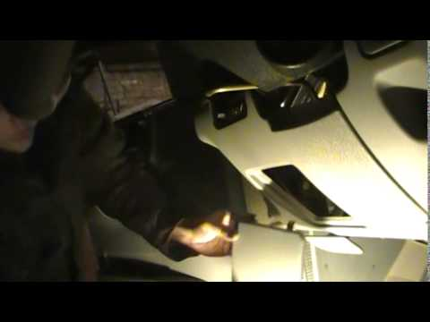 Замена реле обогрева заднего стекла и подогрева зеркал - видео на сайте VideoVortex.ru