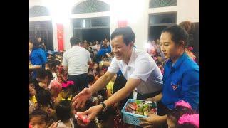 Đồng chí Phạm Tuấn Đạt, PBT Thường trực Thành ủy dự đêm hội trăng rằm tại xã Thượng Yên Công