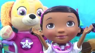 PAW PATROL BABY SKYE Visits DOC MCSTUFFINS Pet Hospital Ambulance and Doctor