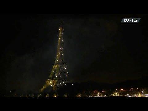 يوم الباستيل.. الألعاب النارية تضيء سماء باريس فى احتفالات العيد الوطني الفرنسي