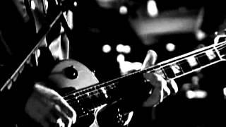 Video U2 - Love is blindness (ZooTV Tour, Black and White) MP3, 3GP, MP4, WEBM, AVI, FLV Maret 2019