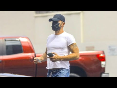 Ricky Martin Shows Off His Bulging Biceps In Tight White T-Shirt