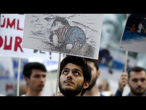 Ο θάνατος του τρίχρονου Αϊλάν εμπνέει τους σκιτσογράφους