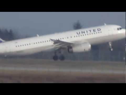 United A320 Takeoff
