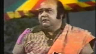 Video Alif Noon Rare Episode Footpath Per Part 1 of 2 Rashid Ashraf MP3, 3GP, MP4, WEBM, AVI, FLV Oktober 2018