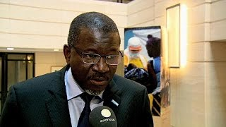 Ebola'nın vurduğu Batı Afrika ülkeleri ekonomik kalkınma için yardım istedi