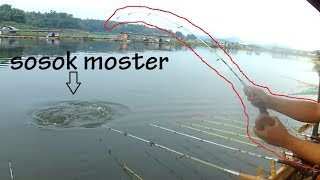 Download Video INI LAH SOSOK MONSTER CIRATA !!! MP3 3GP MP4