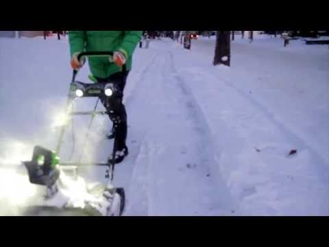 , title : 'compare: greenworks pro 80-volt cordless electric snow blower vs greenworks corded'