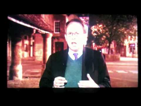 BBC Newsnight Elections - Funny man behind reporter