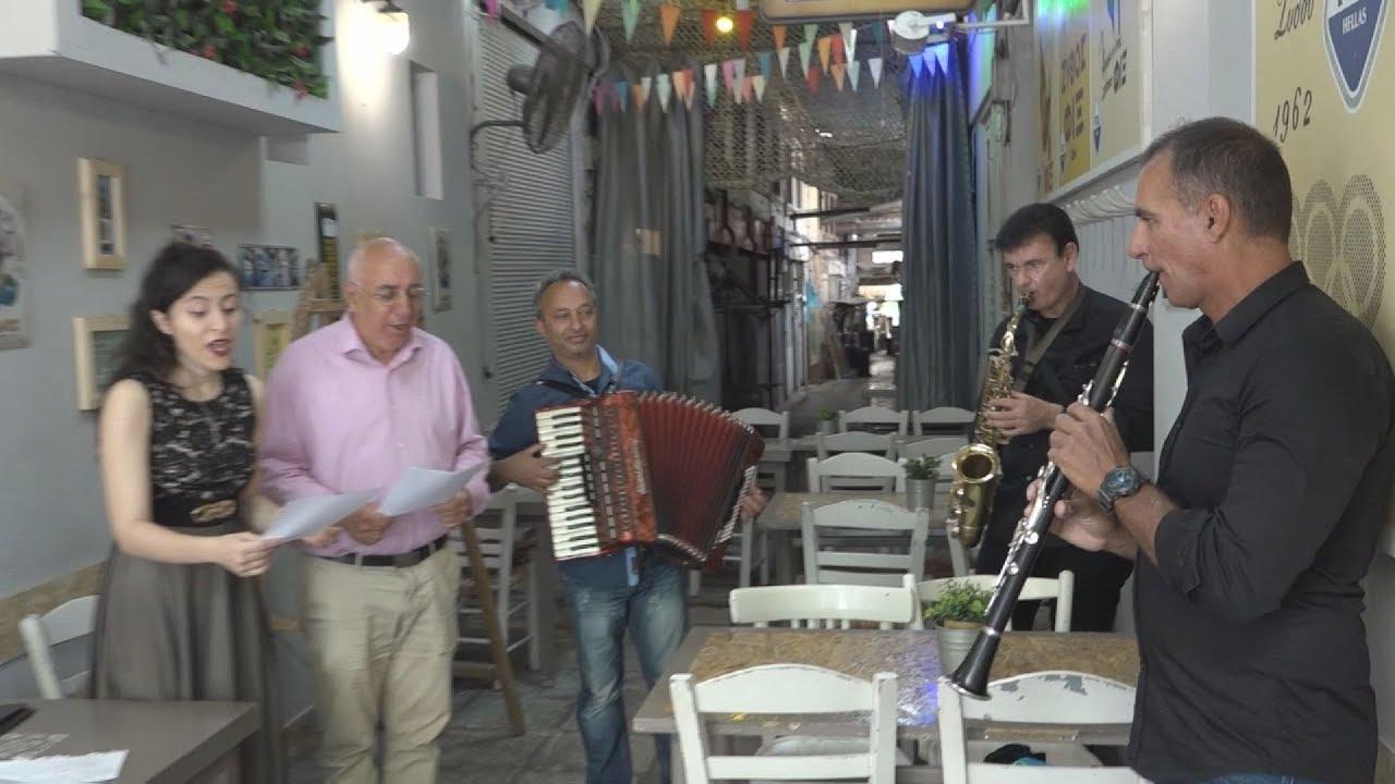 Με άριες όπερας γιόρτασαν την επαναλειτουργία των εστιατορίων στην Αγορά Μοδιάνο