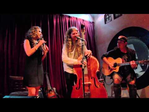 Video Haley Reinhart & Casey Abrams - All About That Bass [2015] download in MP3, 3GP, MP4, WEBM, AVI, FLV January 2017