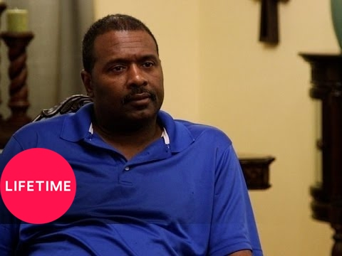 Preachers' Daughters: Taylor Shows Her Music Video to Her Parents (S2, E1) | Lifetime