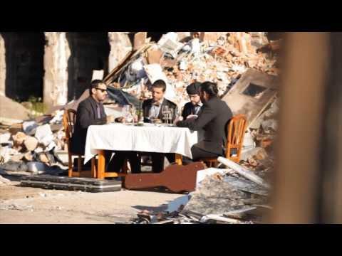 El grupo SoloGarcía se estrena con el videoclip de «Cómete tu caridad»