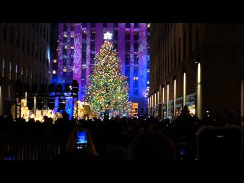 THE 2013 ROCKEFELLER CENTER CHRISTMAS TREE LIGHTING FESTIVITIES IN MIDTOWN, MANHATTAN, NEW YORK.