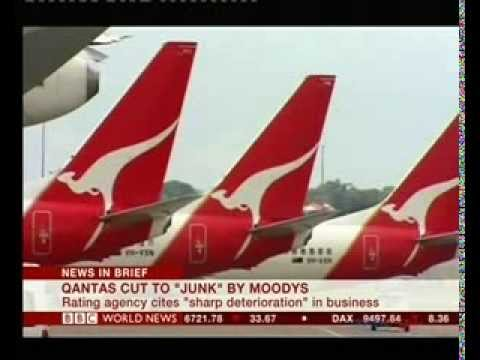 Moody's cuts Qantas credit rating to 'below investment'