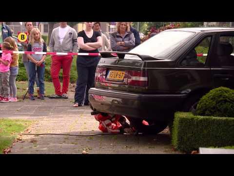 Automobiliste rijdt tegen huis in Veghel