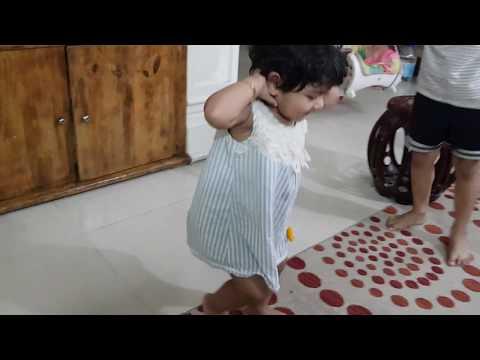 Little Girls Dance with Dame Tu Cosita Song