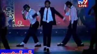 Video Allu Arjun's michael jackson Dance at SS Style Awards MP3, 3GP, MP4, WEBM, AVI, FLV Juli 2018