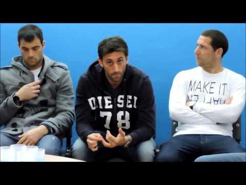 Diego Milito charla con los capitanes de Racing