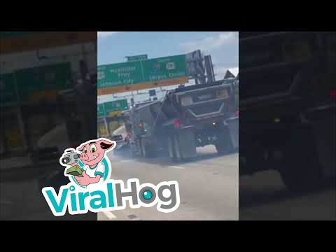 Video Huge Semi Drags Mercedes on Highway    ViralHog download in MP3, 3GP, MP4, WEBM, AVI, FLV January 2017