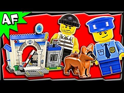 Vidéo LEGO Juniors 10675 : Ma première caserne de police