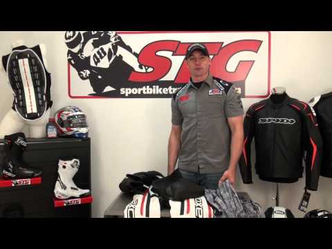AXO Indy Leather Race Suit Review from SportbikeTrackGear.com (видео)