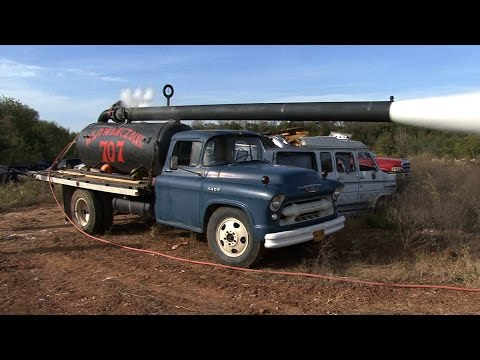 1955 Chevy PUMPKIN CANNON -vs- Old Vans (видео)