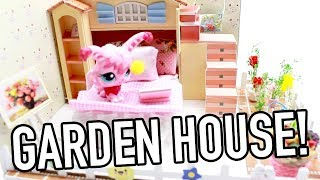 """Hey #PawesomeTV fans! This kit was made/built by my super amazing mom!What part do you like about it? I love the garden! It's so cute!!Want to send me fanmail? Here's my address:PawesomeTVP.O. Box 188056Sacramento, CA 95818Stay pawesome!GamingwithPawesometv https://www.youtube.com/gamingwithpawesometvWebsite: http://www.pawesometv.comInstagram: http://instagram.com/pawesometvTwitter: https://twitter.com/#!/pawesometvlike """"PawesomeTV"""" on facebook: http://www.facebook.com/PawesomeTV"""