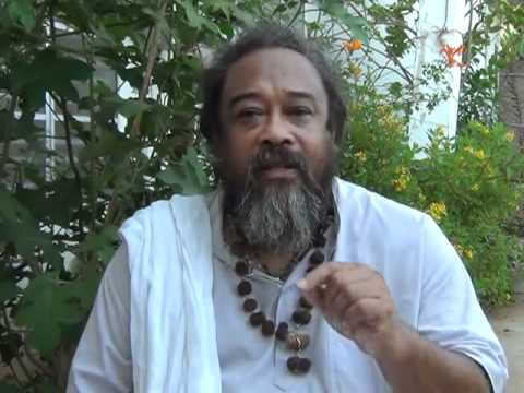 Mooji Answers: Any Hint of Superiority is a Sure Sign of Ignorance