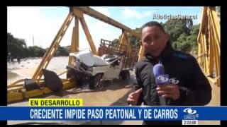 CRECIENTE IMPIDE TAMBIÉN EL PASO PEATONAL