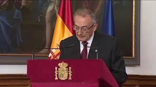 S.M. el Rey Don Juan Carlos entrega a Miguel Ángel Laredo el II Premio Órdenes Españolas