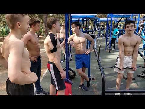 Челябинский тренажерный зал на улице. Функциональная подготовка гимнастов - DomaVideo.Ru