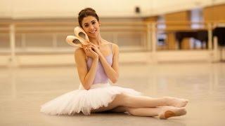 Video How Royal Ballet dancers prepare their pointe shoes MP3, 3GP, MP4, WEBM, AVI, FLV Juni 2019
