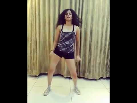 Neetha shetty hot moves 1 (видео)