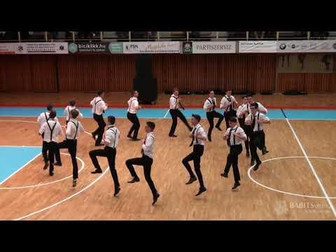 12.E osztály szalagavató tánca