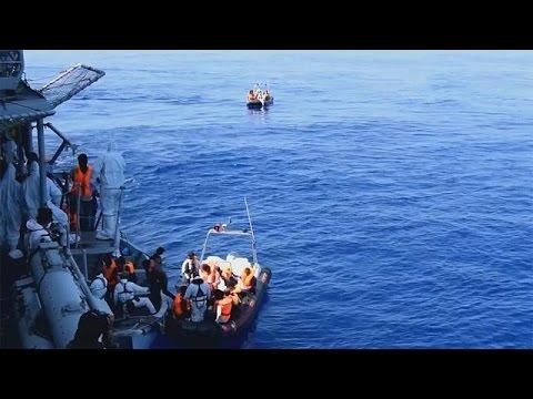 Ιταλία: Πάνω από 8000 μετανάστες διασώθηκαν ανοιχτά της Λιβύης