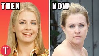 Video The Cast Of Sabrina The Teenage Witch: What They Looked Like In Their First Episode And Now MP3, 3GP, MP4, WEBM, AVI, FLV November 2018