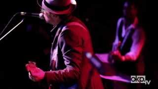 "Elvis Costello & The Roots ""I Want You"" Live in Brooklyn - YouTube"