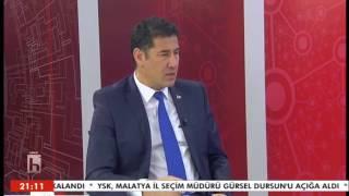"""AçıklamaMilliyetçi Hareket Partisi Genel Başkan Adayı Sinan Oğan, Türkiye'nin Gündemi programının konuğu oldu. Oğan programda anayasa referandumundan Suriye meselesine, milliyetçi hareketin bu süreçteki tavrından Türkiye gündemine çok önemli açıklamalarda bulundu. Oğan, yayında kendisini duygulandıran o telefon konuşmasını da anlattı. HDP'nin de son raddede """"evet"""" vurgulayan Oğan, """"HDP'linin birisi camiye gitse sen kiliseye mi gideceksin? Senin kendi fikrin yok mu? Ben HDP'nin son tahlilde evet vereceği kanaatindeyim."""" diye konuştu."""