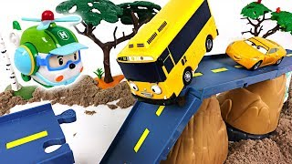 Video There was an earthquake Tayo, Robocar Poli town! Super Wings! Rescue your friends! - DuDuPopTOY MP3, 3GP, MP4, WEBM, AVI, FLV Juni 2018