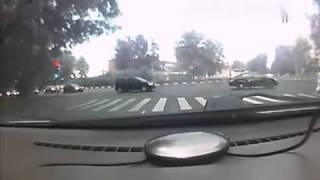Kiszakad az autó kereke