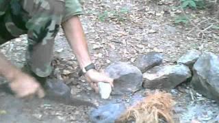 Como obter fogo com pedra e bombril