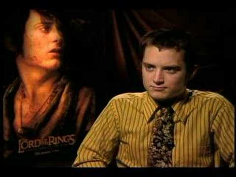 That time Elijah Wood was pranked in an interview. Hilarious reaction